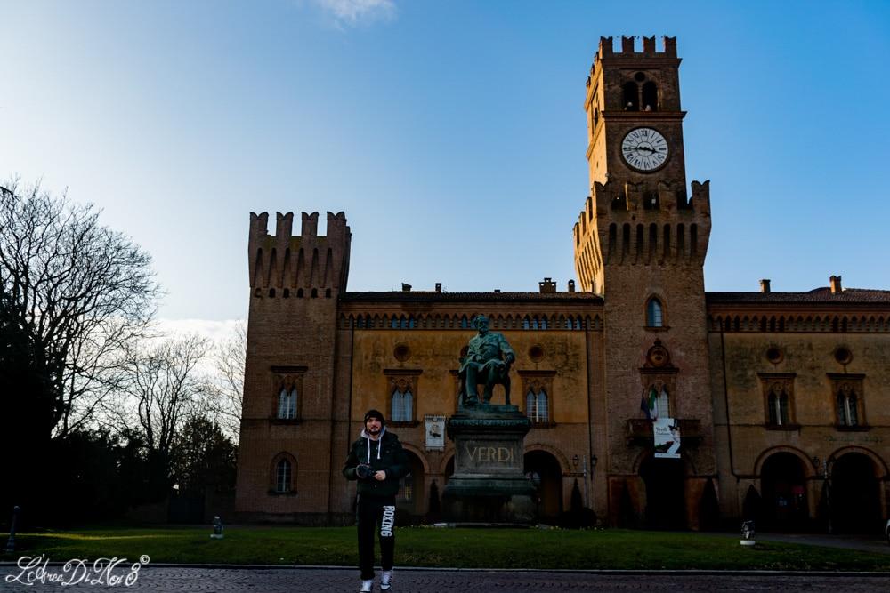 Busseto statua Verdi e Rocca Pallavicino