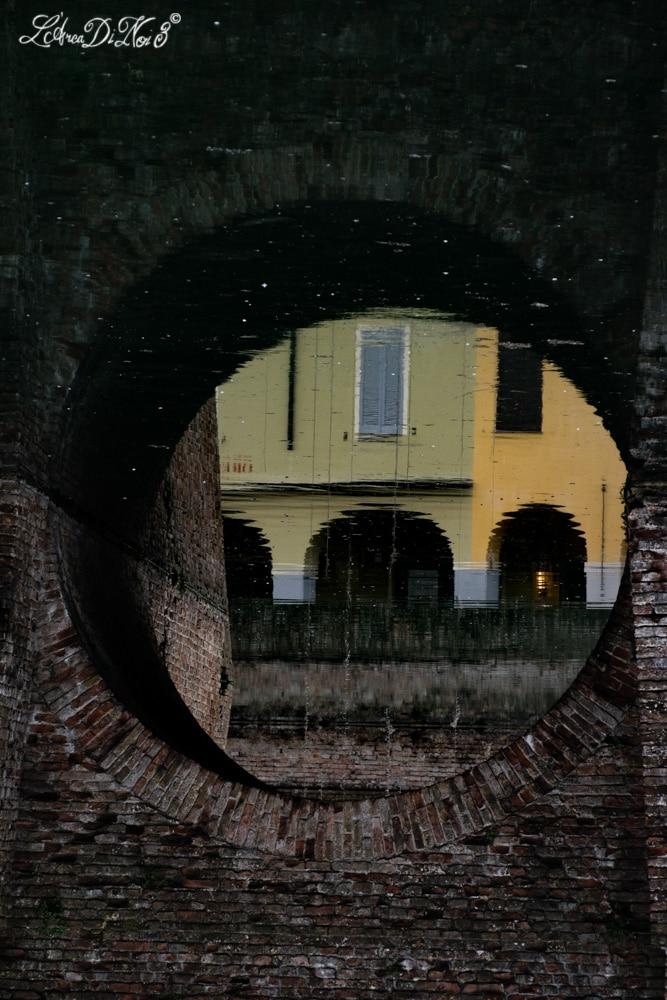 Fontanellato Rocca riflessi nel fossato