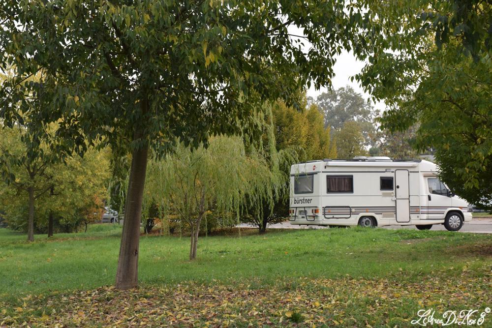 Montale parcheggio camper