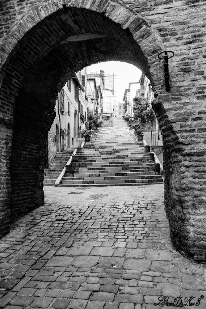 Corinaldo scalinata della Piaggia