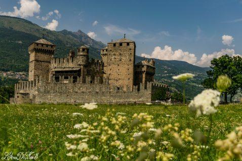 Valle d'Aosta in camper: visita al castello di Fenis