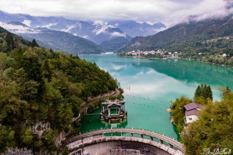 In camper al lago di Barcis, uno smeraldo artificiale