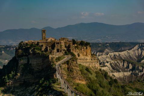 Viaggio in camper in Lazio: vedi Civita di Bagnoregio, che poi muore
