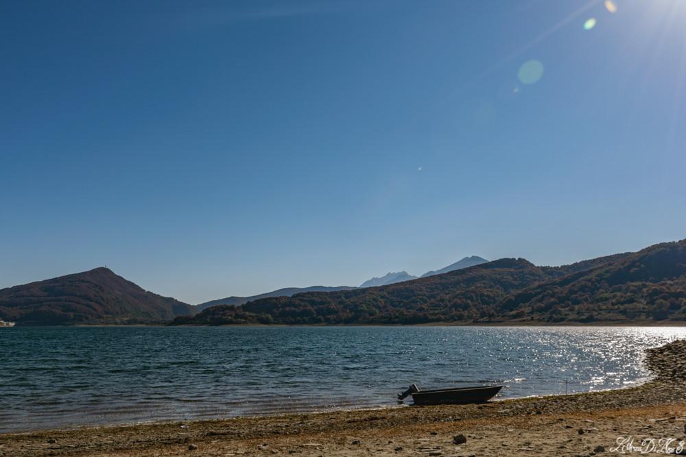 Lago di Campotosto barca