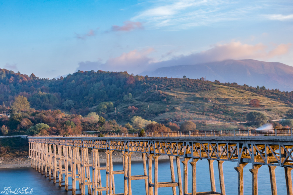 Lago di Campotosto ponte delle strette