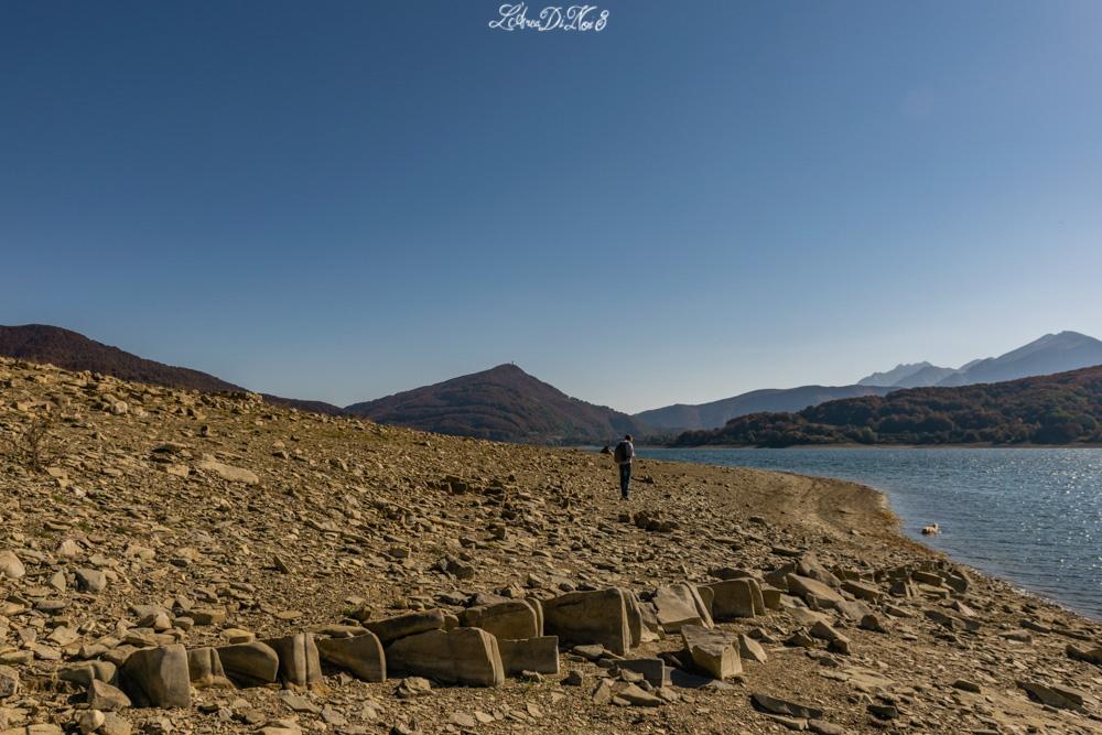 Lago di Campotosto spiaggia