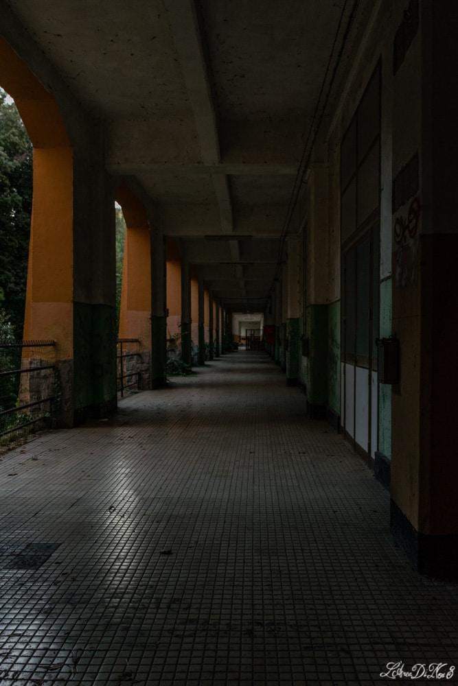 Portici dell'abbandonata caserma Piave a Orvieto