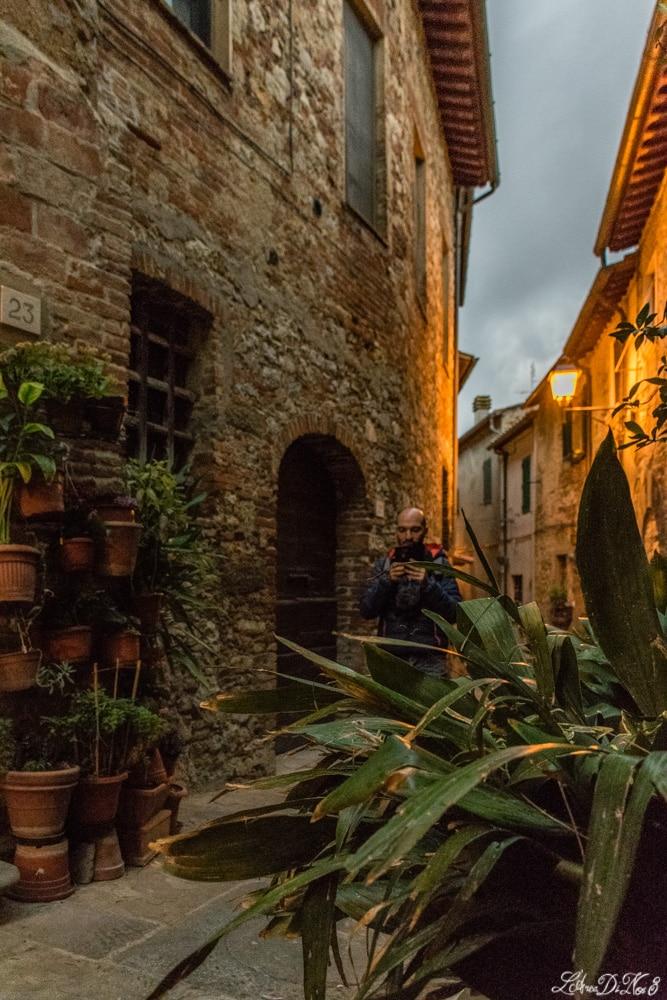 Tra le vie di Lucignano borgo medievale