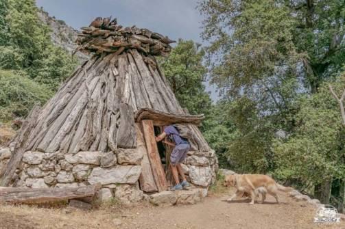 Cuile sardo lungo il sentiero per la Gola di Gorropu