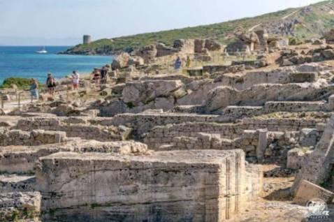 Visitare l'antica città di Tharros in camper