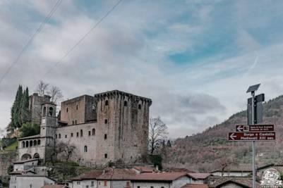 In camper verso il Passo del Cerreto: Fivizzano e il Castello della Verrucola in Lunigiana